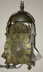 Centre-swing Winged Lantern Clock